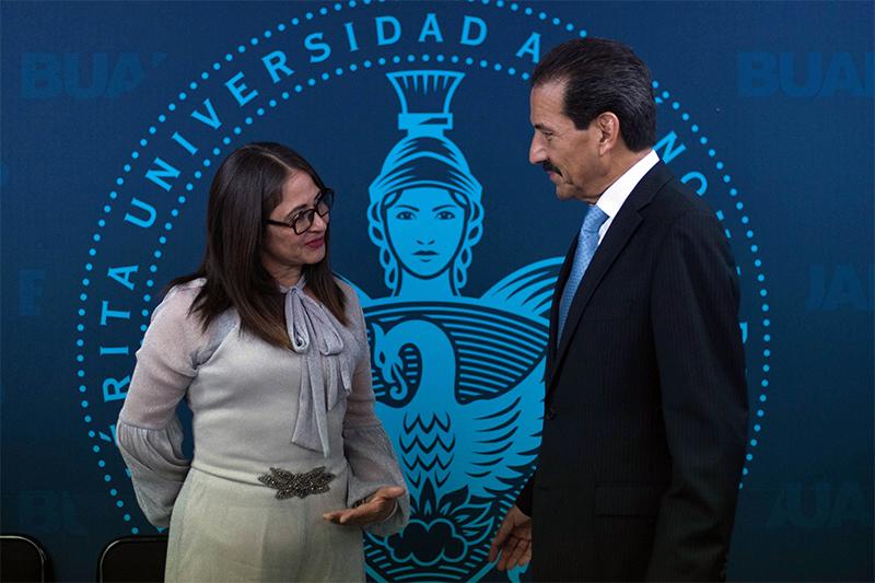 be5f7c5825 Preparatoria Regional Enrique Cabrera Barroso, la mejor de la región:  Alfonso Esparza (AUDIO)